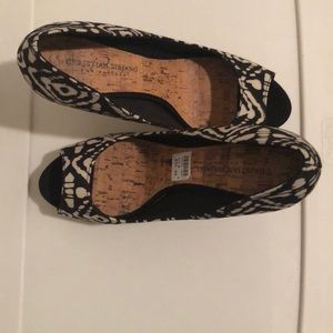 Christian Siriano Black and Tan Shoes